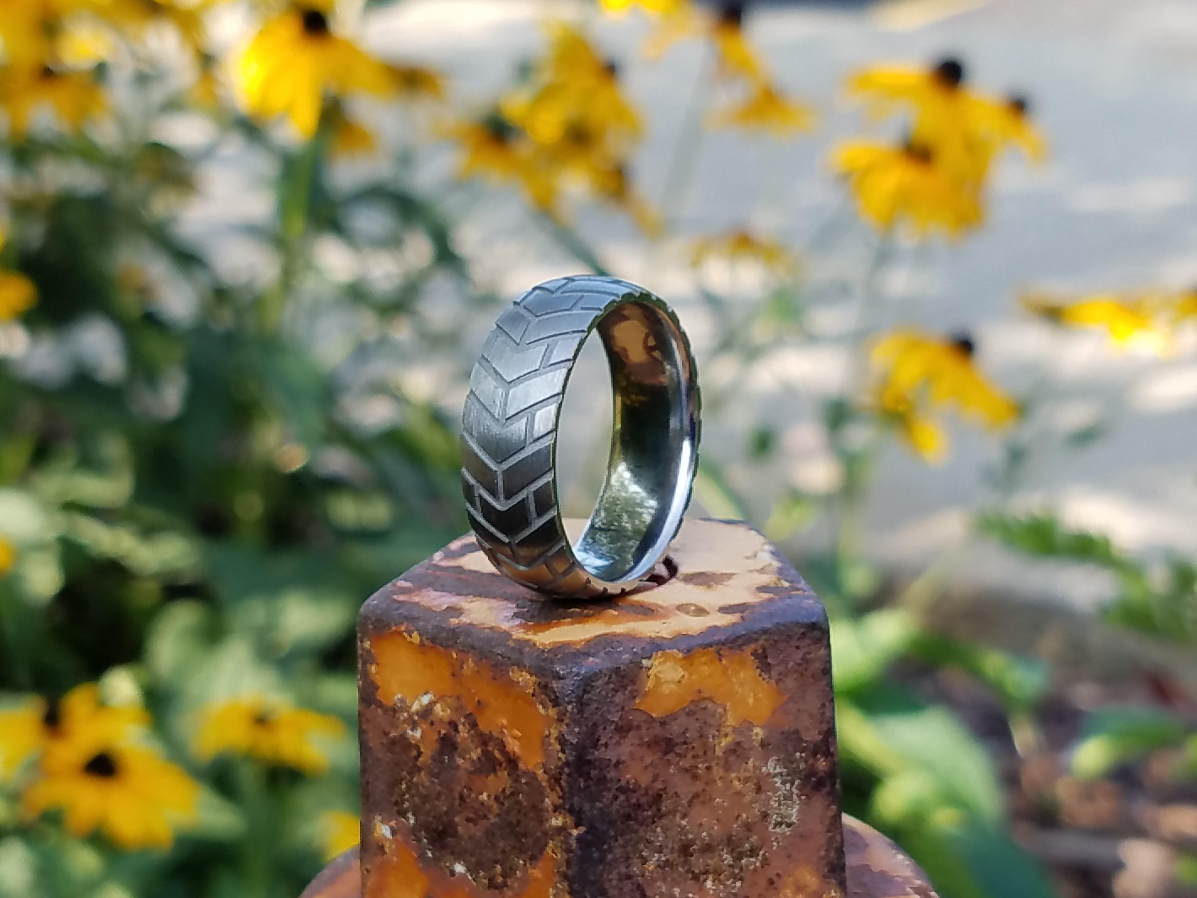 Classic Tread Ring