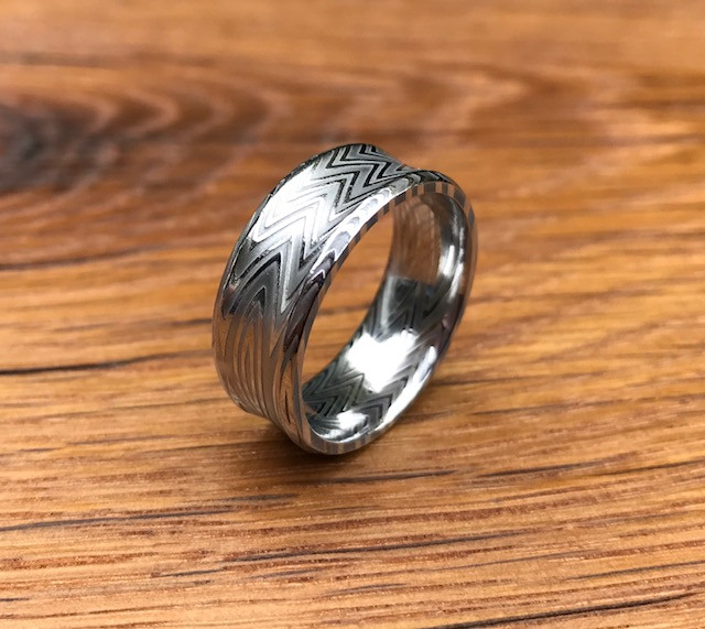 Men's Concave Zebra Pattern Damascus Steel Ring