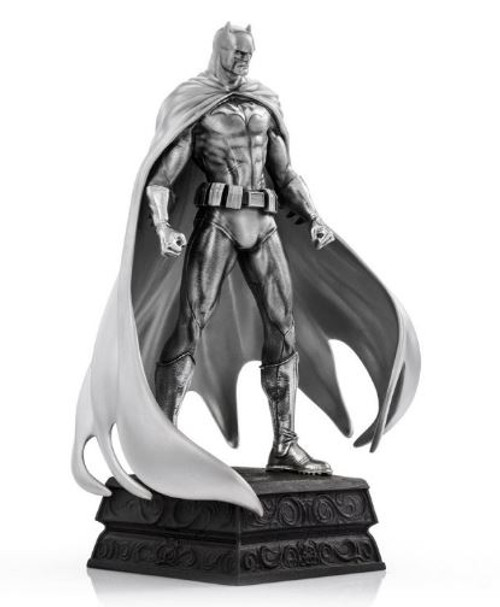 Batman Resolute Figurine