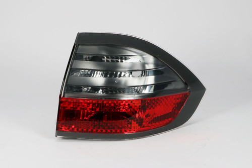 Rear light right outer Ford S-Max 06-09