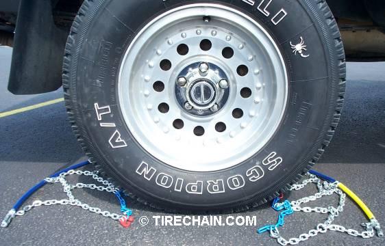 Snow chains diamond under rear
