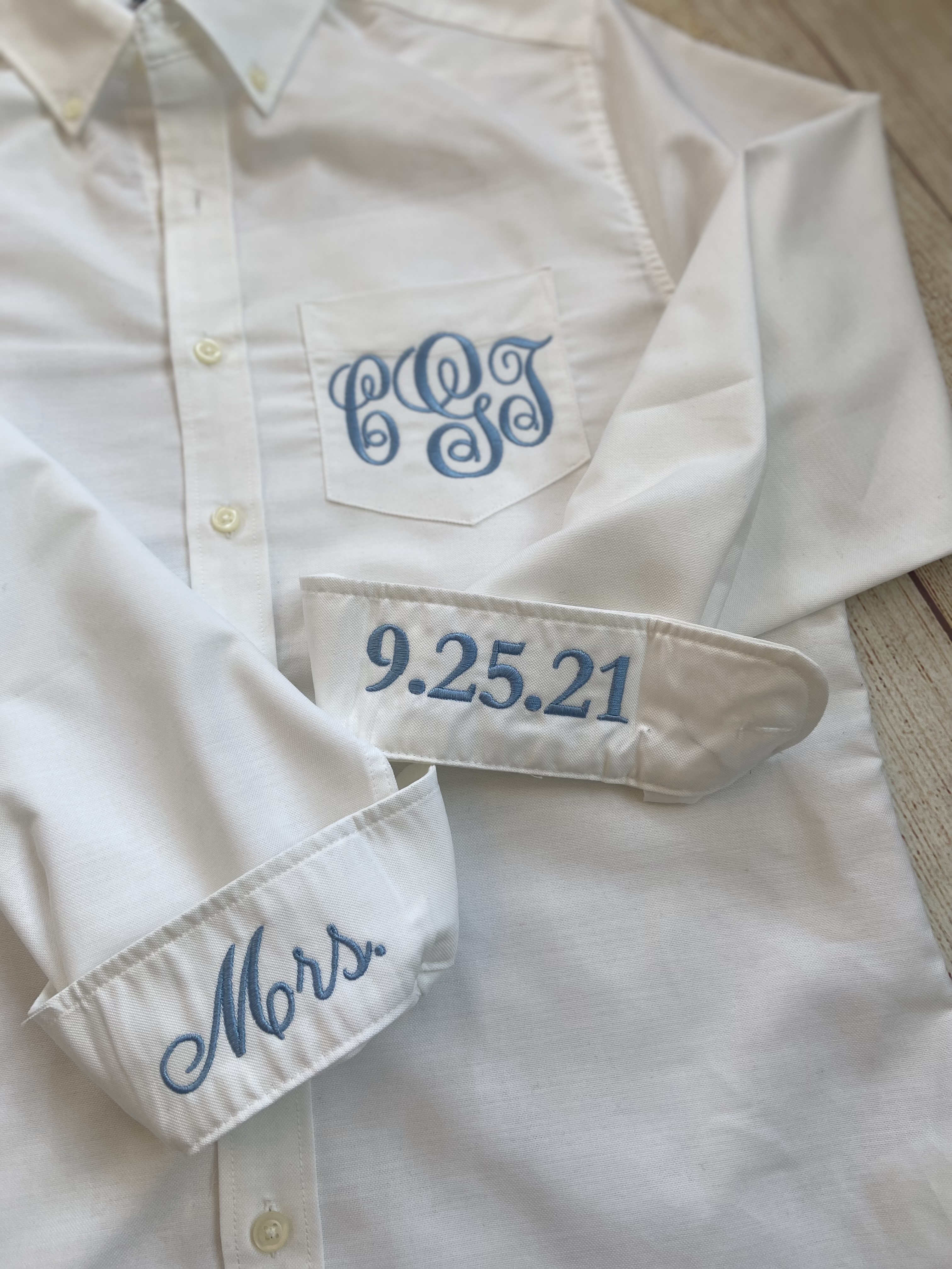 Make this monogram oxford your own by customizing the cuffs. So fun!!