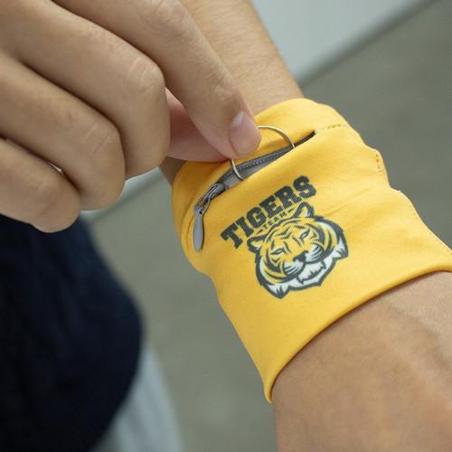 Custom Zipper Pocket Wristband
