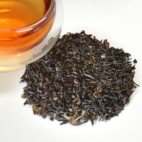Darjeeling Sungma Summer Black Loose Leaf Tea Darjeeling Sungma Summer is a second flush black tea from the famous Darjeeling region of India. Darjeeling tea is treasured for its rich golden liquor and distinctive muscatel (a type of grape) flavor. This tea scores high on both counts. Bright and aromatic, floral muscat grape aroma with notes of warm spice and sugary squash. Plush, tangy mouthfeel with a sweet finish and balanced astringency. This excellent summer harvest (second flush) of Darjeeling black tea comes from the highly regarded Sungma Estate.