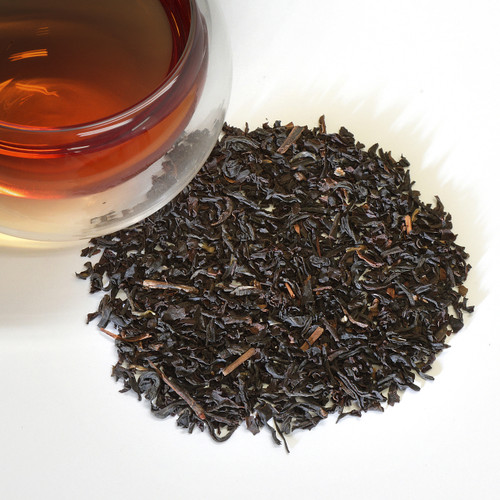 Organic English Breakfast Black Tea Organic English Breakfast is a full-bodied black tea blend that goes well with a traditional English breakfast. The original cup was made with black Keemun tea from Anhui province in China. Across many generations, plenty of different interpretations of this famous blend have been made.