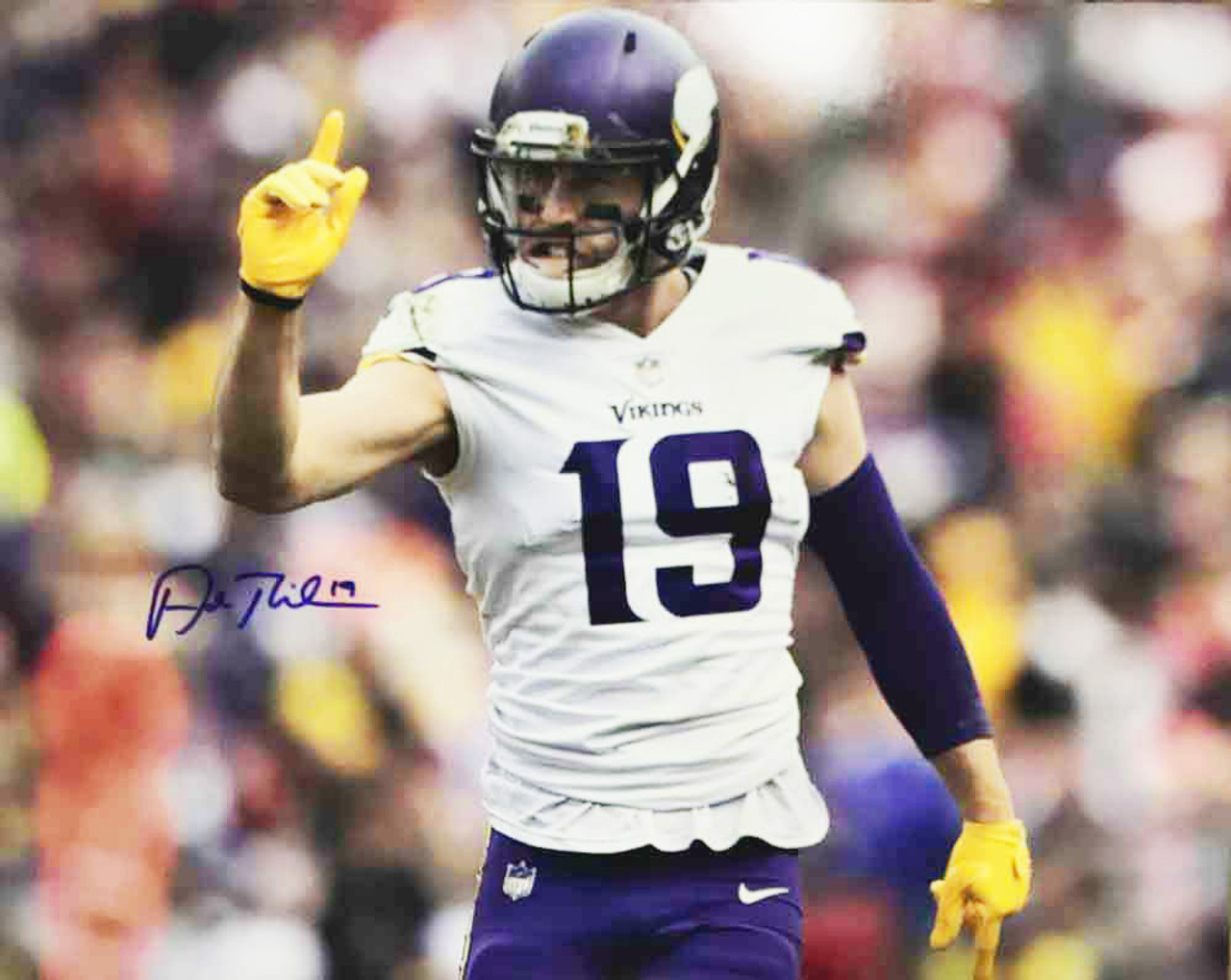 on sale a5466 18f60 Adam Thielen Minnesota Vikings Autographed 16x20 Photo JSA Authenticated