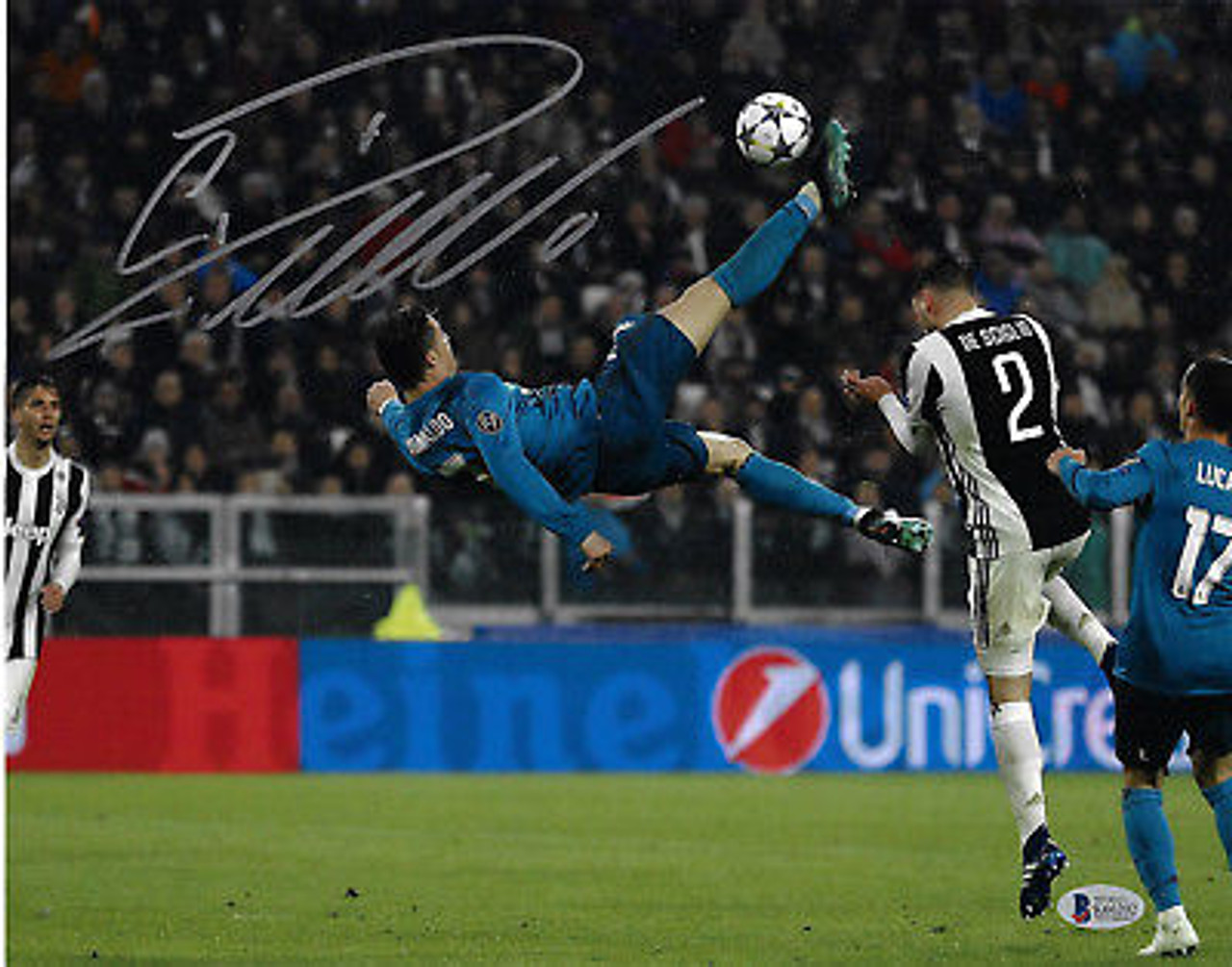 947488b91 Cristiano Ronaldo Real Madrid Autographed Champions League Bicycle Kick  16x20 Photo