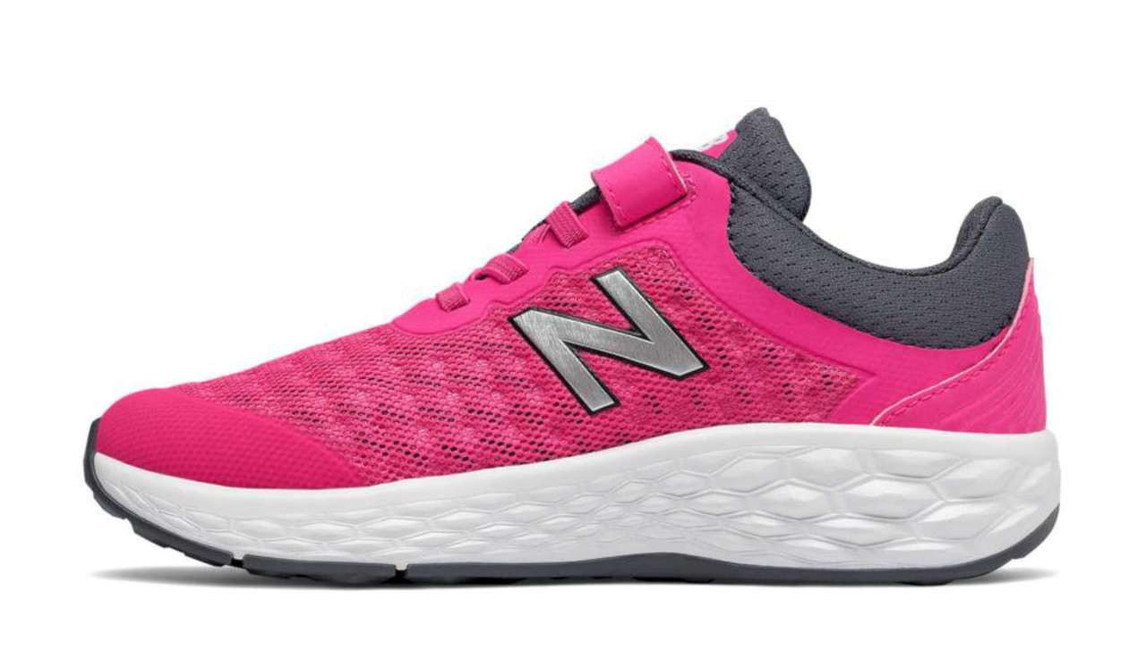 Kids New Balance Girls Nergize V1 Low Top Lace Up Running Sneaker