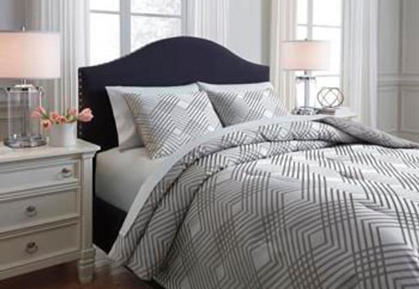 Queen Comforter Set-3177307