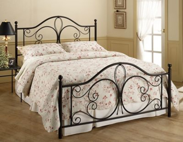 Milwaukee Queen Bed Set -4053291