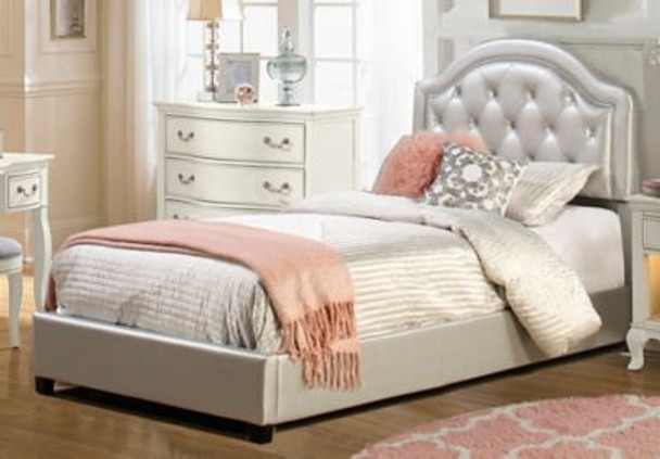 Karley Full Bed Set - Silver Faux Leather-4053880