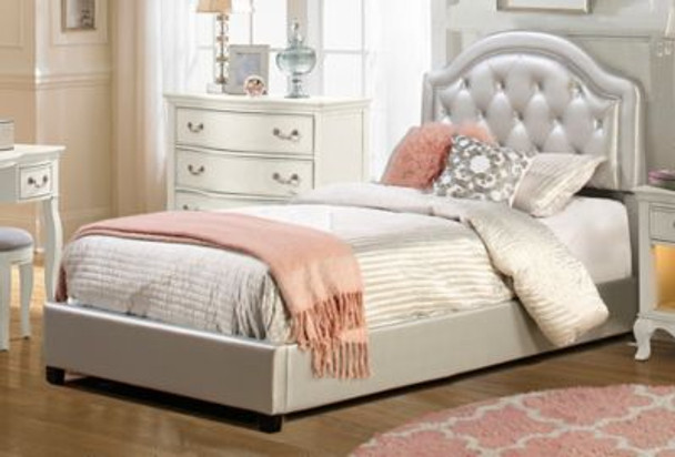 Karley Twin Bed Set - Silver Faux Leather-4053881