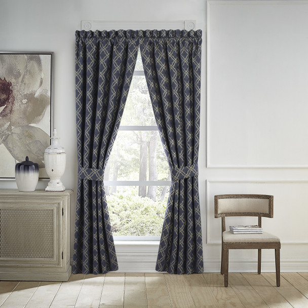 https://www.bonton.com/product_images/x/428/Finnegan_Win_Panels__23422.jpg