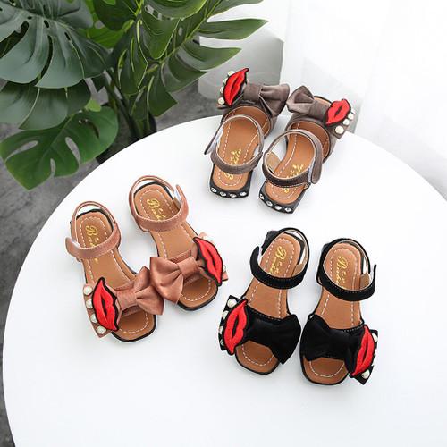 Children's shoes with Lip Design creative/unique