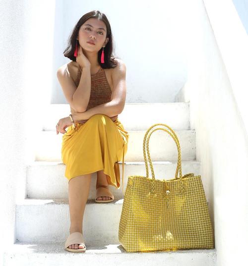 Toko Bazaar Woven Tote Bag - in Mustard Yellow & White