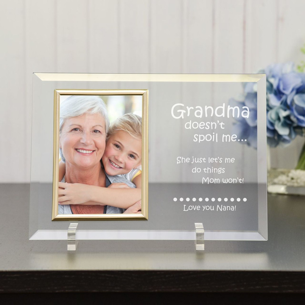Personalized Frame Puts Grandmas Little Ones In The Limelight