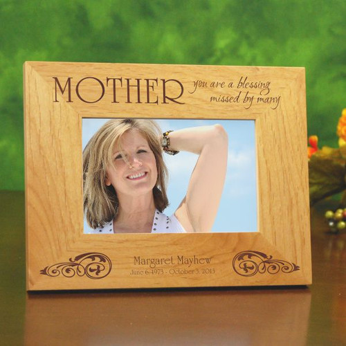 Engraved wooden memorial frame to remember mom