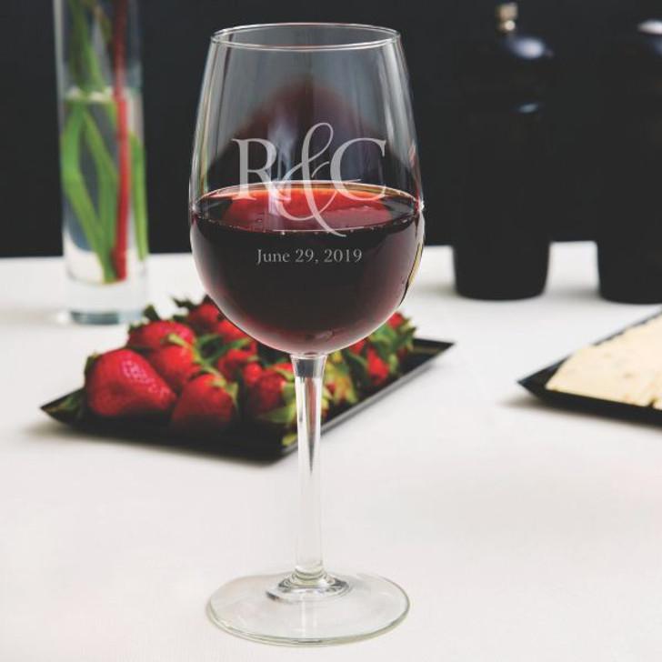 Couple's Wedding Personalized Wine Glass