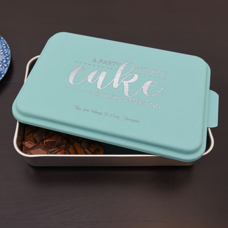 Personalized baking pan features owner's name so it'll never get lost!