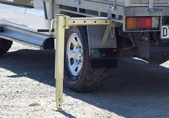 Manual Pullout Stabiliser
