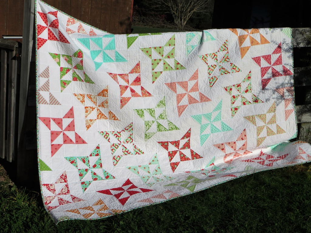 """Arabesque Quilt  86"""" x 71"""" Custom Quilted.  ONE ONLY"""