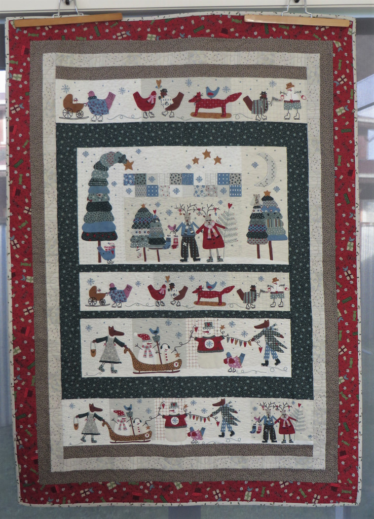 "Lynette's Winter Playground Wall hanging - Finished size 39"" x 55"""