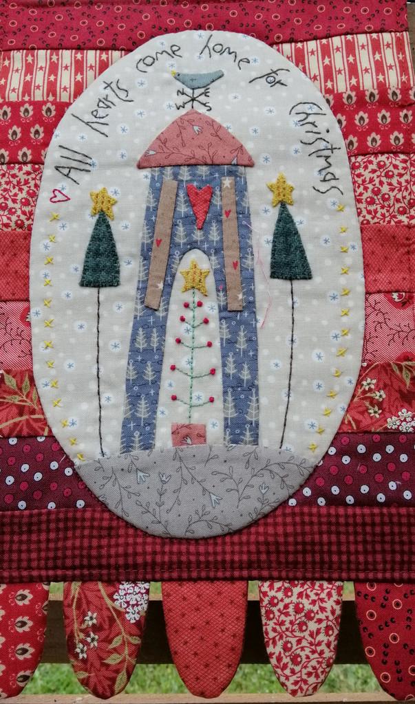 Home for Christmas - small wall hanging kitset