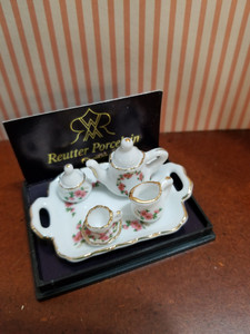 *SALE*  Miniature 1:12 Scale Lisa Tea Set on Tray by Reutter Porcelain