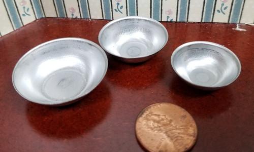 Set of 3 Metal Bowls