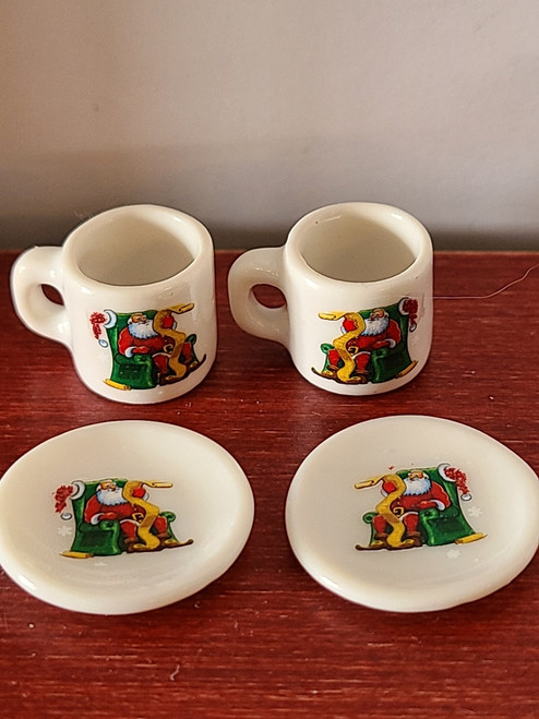 Miniature Christmas Cups & Plates - Seated Santa