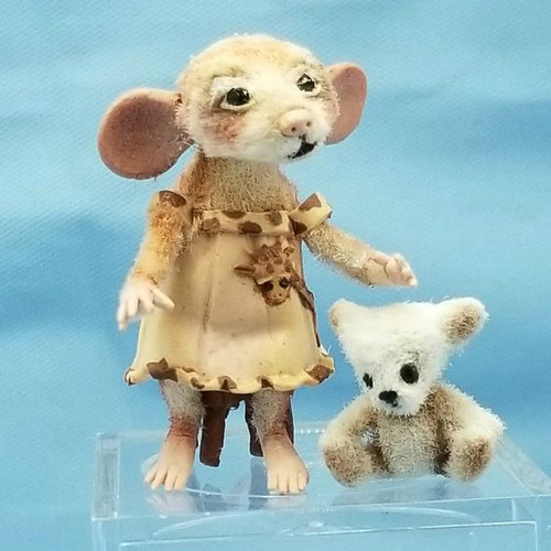"""Aleah Klay Character - Mouse in Giraffe Dress with Teddy(1 1/16"""" tall)"""