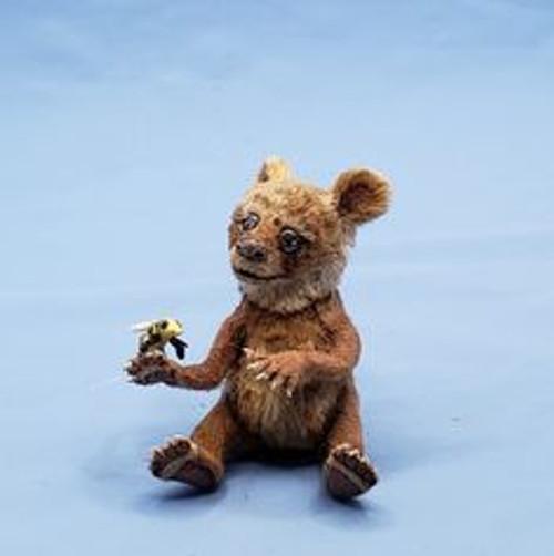 "Aleah Klay Character - Bear with Bee(1 7/8"" tall)"