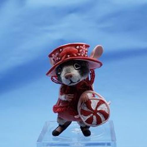 """Aleah Klay Character - Mouse Shopping(1 1/2"""" tall)"""