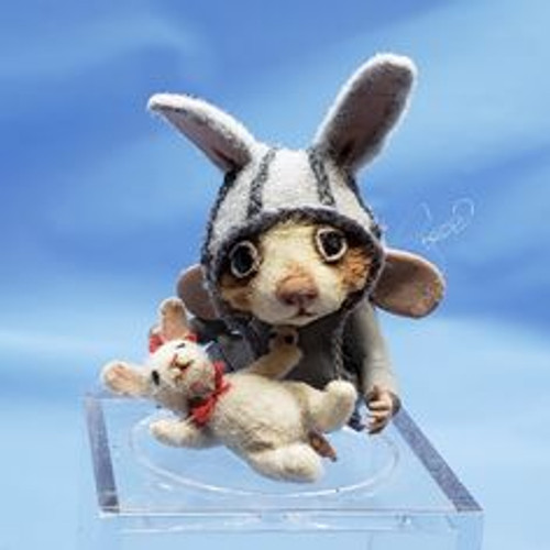 """Aleah Klay Character -Mouse with Bunny (1 1/4"""" tall)"""