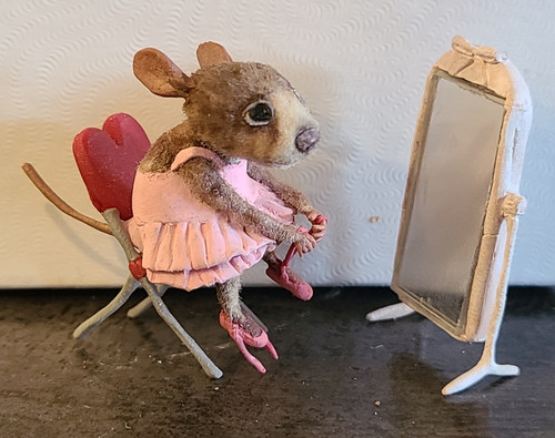 """Aleah Klay Character - Ballerina Mouse Tying Shoes with Mirror (1 1/4"""" tall)"""