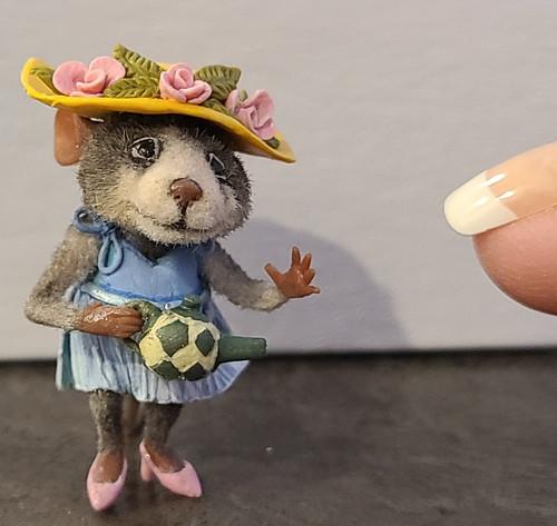"Aleah Klay Character - Mouse with Tea Pot (1 3/8"" tall)"