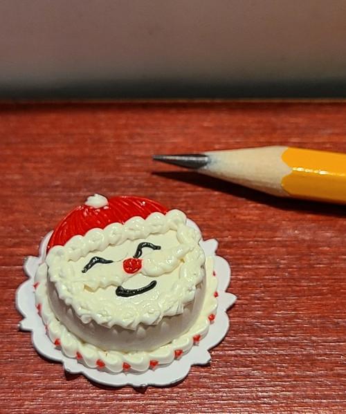1/12 Scale Fancy Decorated Cake -Round Santa Cake