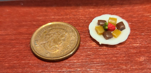Plate of Fudge & Strawberry - 1/12 Scale