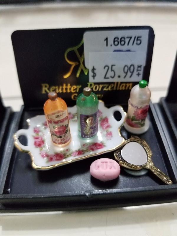 Reutter Porzellan - Womans  Vanity Toiletries