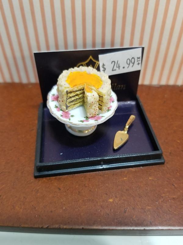 Reutter Porzellan - Layer Cake on Platter