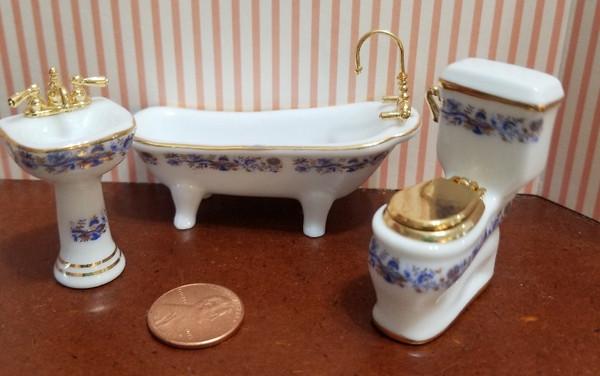 Reutter Porzellan - 1/24 scale Porcelain Blue Onion Bathroom Set