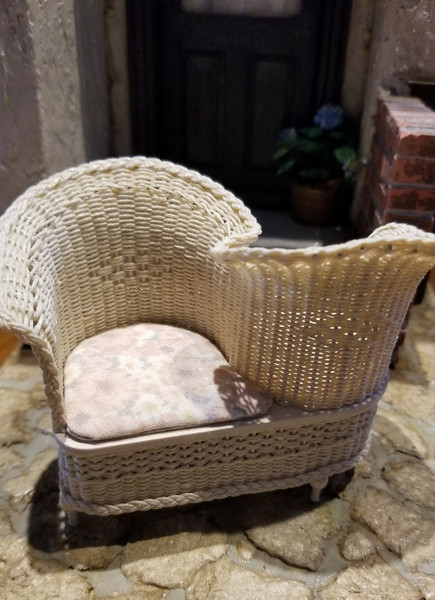 Handcrafted White Wicker Conversation Seat