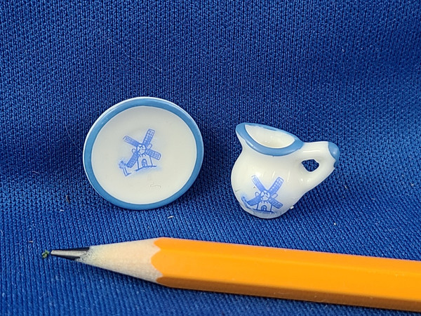 1/12 Scale Plate & Cream Pitcher