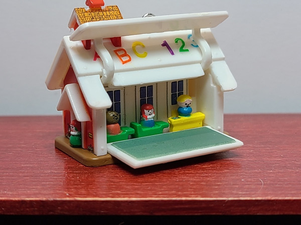 1/12 Scale Toy Fisher Price Lil' School House