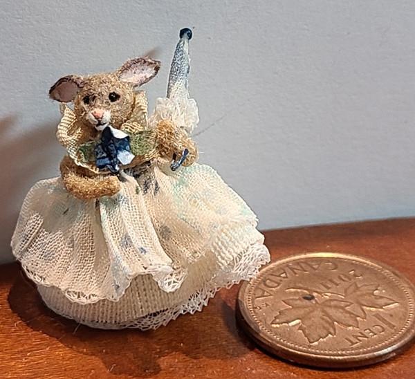 "1"" Tall OOAK Bunny by Teresa Summers"