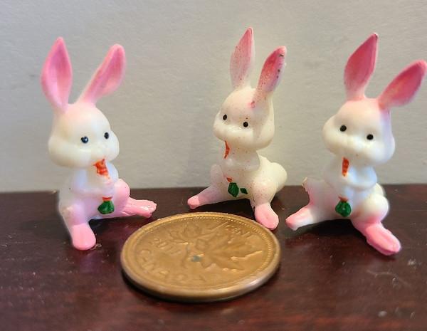 Set of 3 Plastic Bunnies