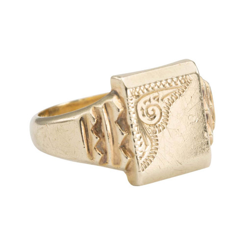 Second Hand 9ct Gold Rectangle Faced Scroll Engraved Signet Ring