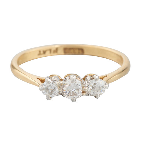 Vintage 18ct Gold 3 Stone Diamond Ring
