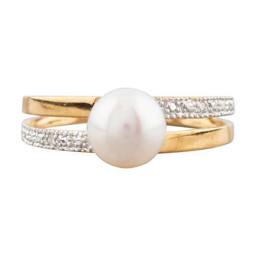 Second Hand 18ct Gold Cultured Pearl Solitaire with Diamond Shoulder Ring