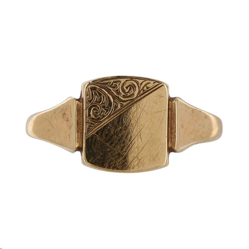 Second Hand 9ct Gold Cushion Face Signet Ring